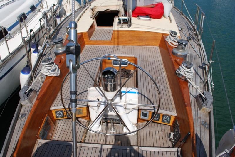 Barca a vela ananda caicco sul lago di garda for Accessori per barca a vela