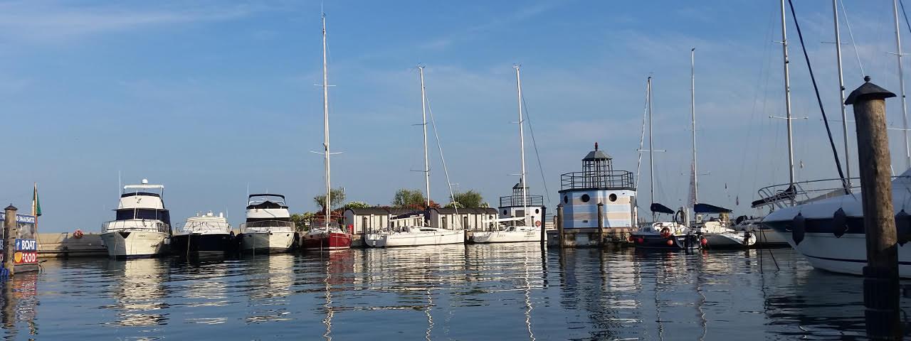 Barche in estate lago di Garda Pollini nautica